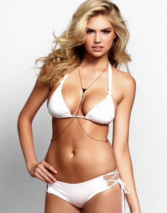kate upton looks great in beach bunny